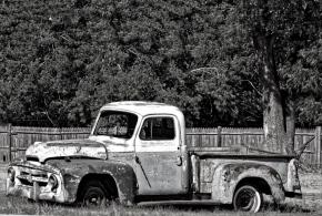 Old Pickup (B & W) – Monochrome MadnessChallenge