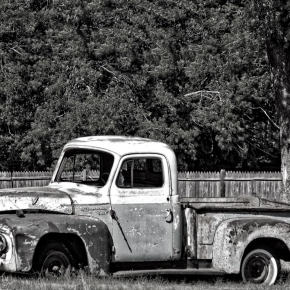 Old Pickup (B & W) – Monochrome Madness Challenge