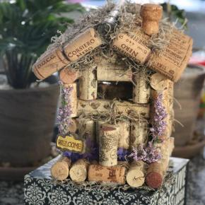 Wine cork Birdhouse DIY